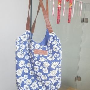 American eagle bag tote floral blue brown durable